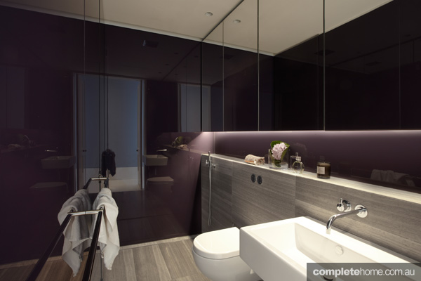 Tusculum Residence Purple-Bathroom