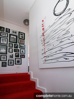 Grand Designs art house photo-wall stairs