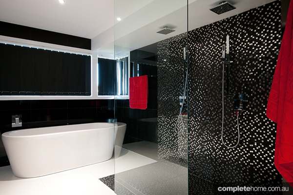 black bathrooms trends