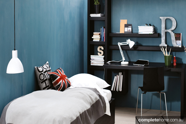 Blue office/spare bedroom by Bo Concept