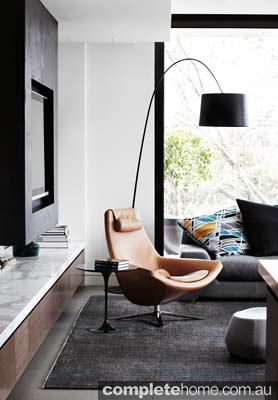 Toorak house - Modern living room chair