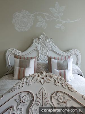 france-villa-bedhead4
