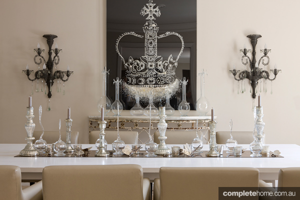 france-villa-dining-roomHERO