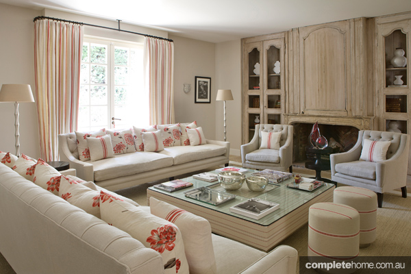 france-villa-loungeroom6