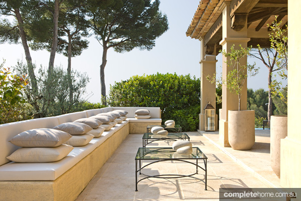 france-villa-outdoor-entertaining2