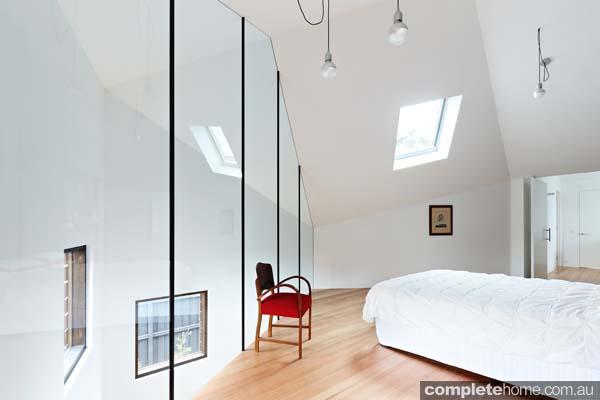 grand-designs-hampton-timber-bedroom9