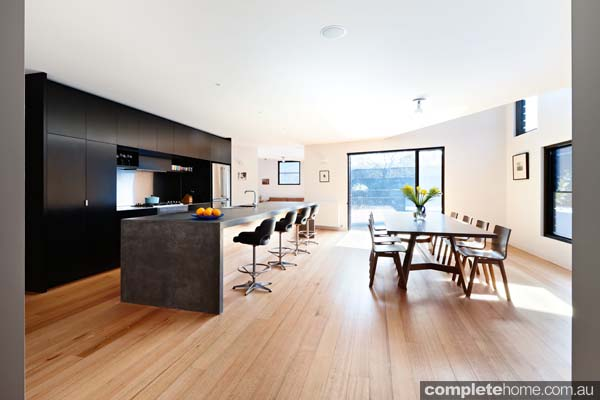 grand-designs-hampton-timber-dining3