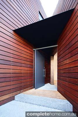 grand-designs-hampton-timber-frontdoor2