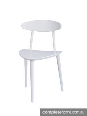 interior-design-whitechair-monochrome7