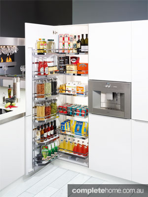 The Kesseböhmer TANDEM Depot pantry unit by Häfele