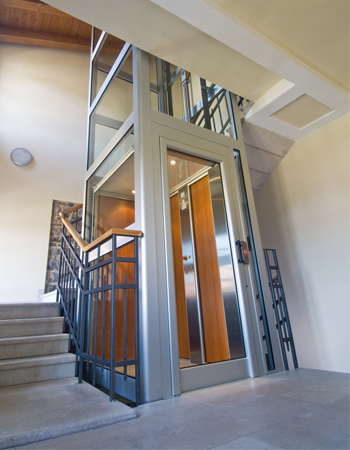 Lifestyle luxury residential elevator completehome for Luxury home elevators