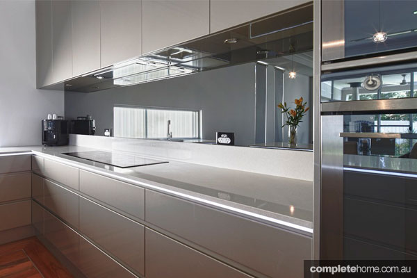 Super sleek grey kitchen design completehome for Sleek kitchen designs