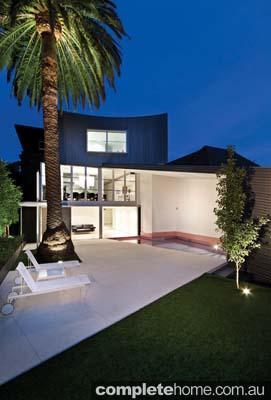real-home-glamorous-facade-modern-interior10