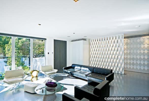 real-home-glamorous-facade-modern-interior2
