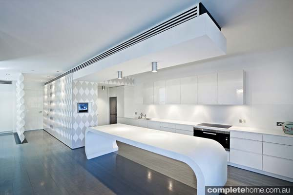 real-home-glamorous-facade-modern-interior3