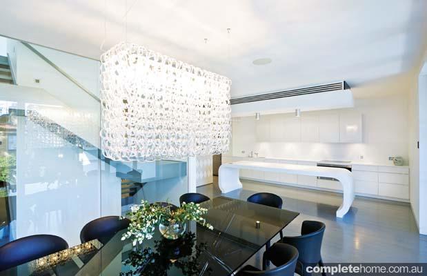 real-home-glamorous-facade-modern-interior4