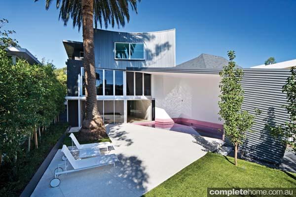 real-home-glamorous-facade-modern-interior8