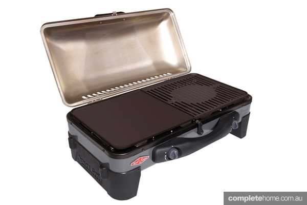 small-backyard-bbq-beefeater-grill4