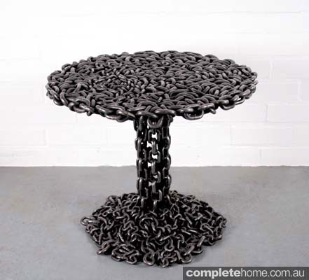 Industrial desert style: Chain table
